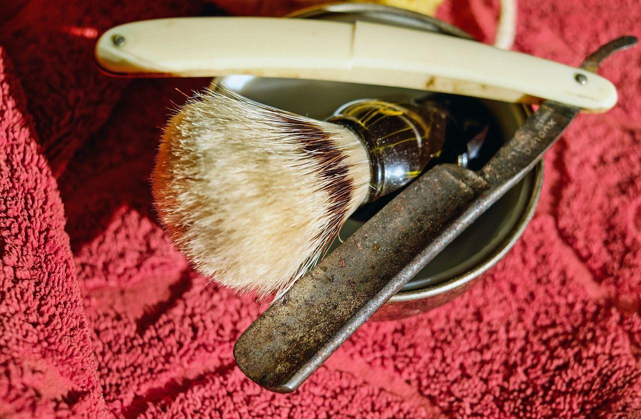 holenie-britvou