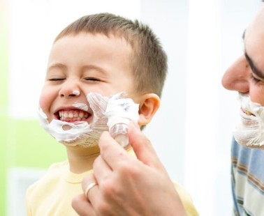 Kvalitná pena na holenie: Dve jednoduché rady, ako vybrať tú najlepšiu